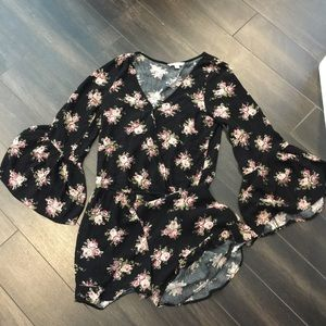 American Eagle Outfitters Floral Romper S